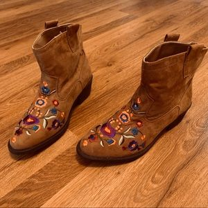 Mudd Western Embroider Brown Suede Ankle Boots 7